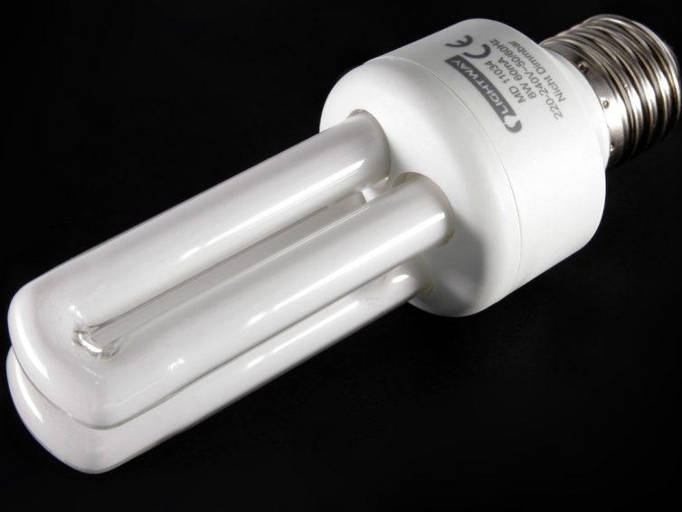 CFL-Energiesparlampen vs. LEDs: Wie unterscheiden sie sich?
