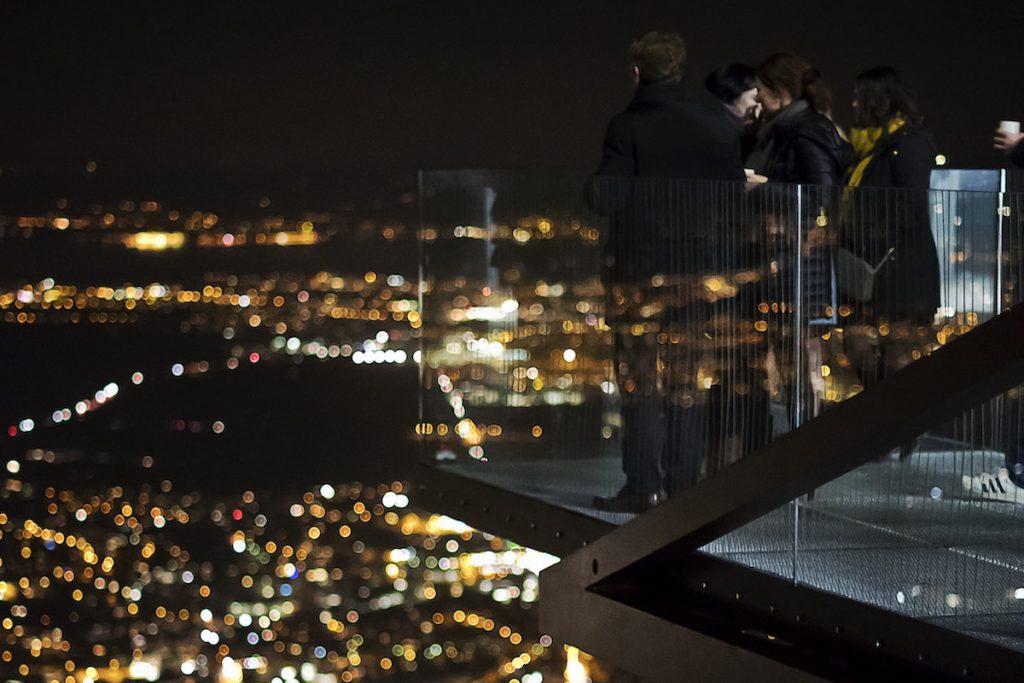 tipps und tricks zur beleuchtung von balkonen und terrassen. Black Bedroom Furniture Sets. Home Design Ideas