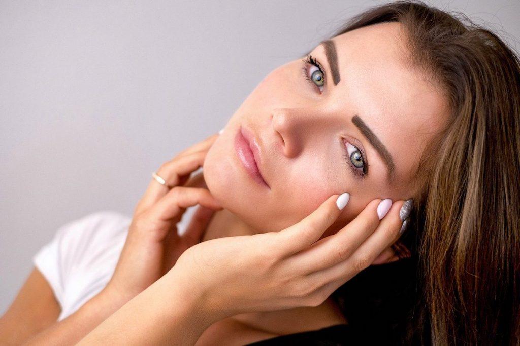 LED Licht Therapie verbessert die Haut